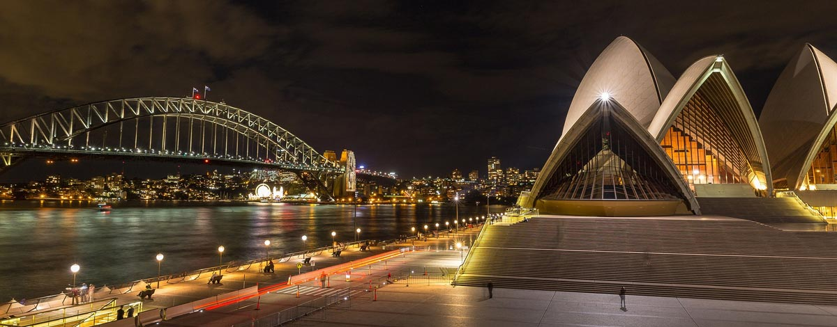 famous sydney opera house and harbour bridge