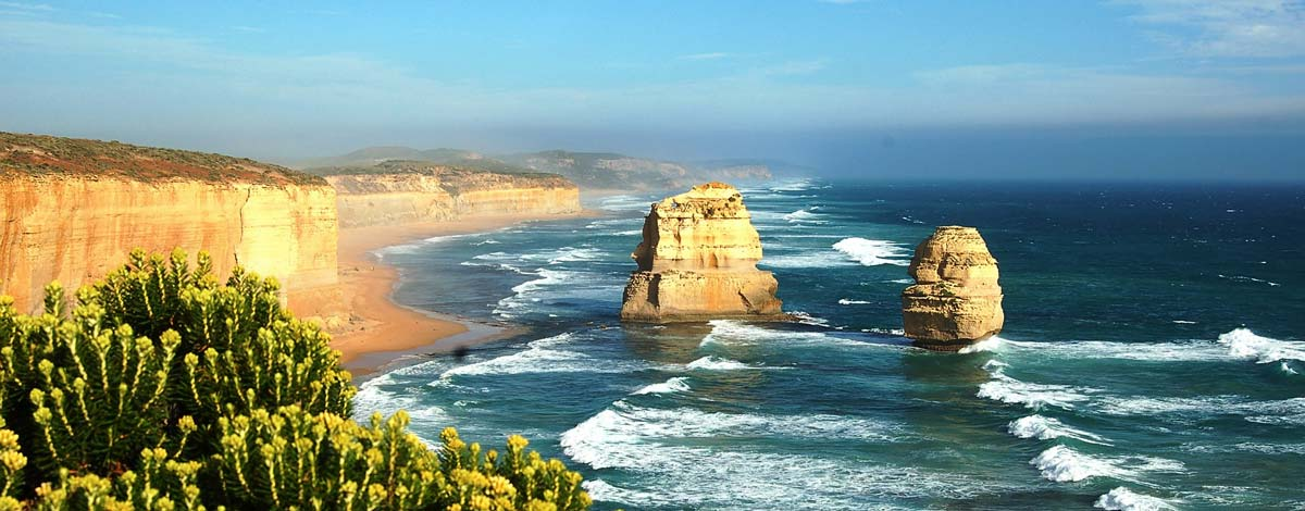 the twelve apostles along the great ocean road